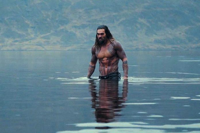 momoas-aquaman-gets-pics-aussie-shoot-details